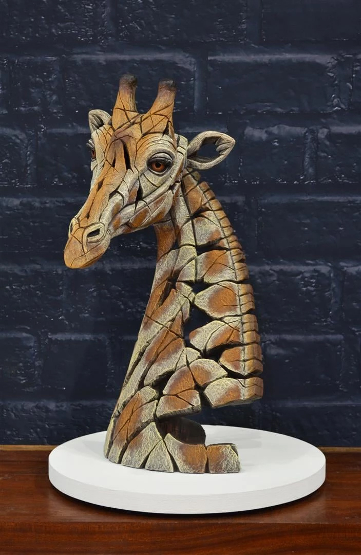Giraffe bust by Matt Buckley of Edge Sculptures